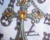 Kryžius pakabukas su grandinelė