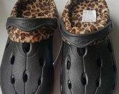 Juodi sandalai su pašiltinimu