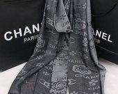 Chanel pilkas šalikelis
