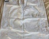 House baltas sijonas
