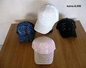 .Naujos kepures su snapeliais