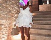 Nauja balta suknele