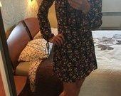 Marga gėleta suknutė
