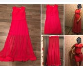 Raudona dviejų dalių suknelė