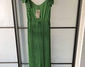 Nauja kloatuota suknele
