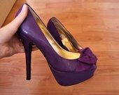 Violetiniai nuostabūs aukštakulniai