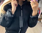 Givenchy striukes