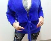 Melynas džemperis