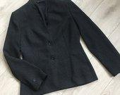 Klasikinis juodas švarkelis ilgomis rankovėmis