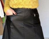 Juodas vaškinis sijonas