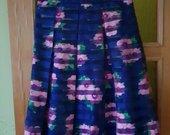Puošnus ryškus sijonas