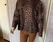 Leopardinis džemperis