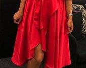 Raudona suknele ( universalus )