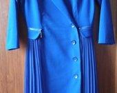 Švarko tipo suknelė su plisuotu sijonuku