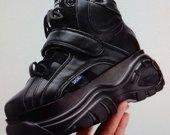 Moteriiški batai