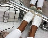 Baltos spalvos bateliai
