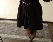 Juodas Stradivarius sijonas