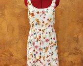 Only gėlėta suknelė