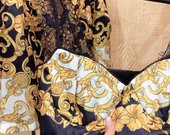 Versace kostiumelis