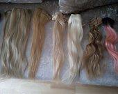 prisegami plaukai+natūralus +šukuosena