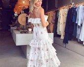 Nauja puosni balta suknele