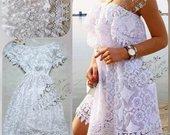 Baltos azurines sukneles