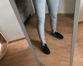 Pilkos kelnės