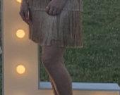 auksine suknele