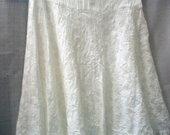 Siuvinėtas platėjantis glamžytas sijonas 2944-5