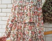 Daili romantiška gėlėta suknelė