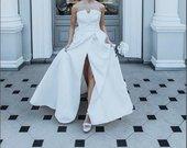 Prabangi dramblio kaulo spalvos vestuvinė suknelė