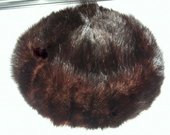 Natūralaus kailio moteriška kailinė kepurė