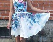 Gėlėta daili suknelė