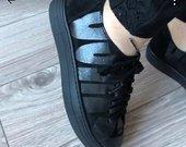 Guess batai