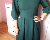 Žalios spalvos suknelė