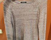 Pilkas nertas megztinis