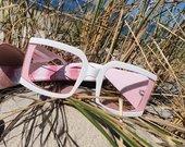 Tobuli akiniai vasarai rožiniais stiklais