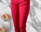 Raudoni skinny be užsegimo 48 dydis