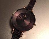 Moteriskas naujas laikrodis