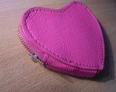 Mergaitiška širdelės formos piniginė!