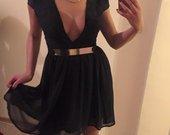 Atvira suknele
