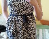 Mažai nešiota Zara dvispalvė suknelė.