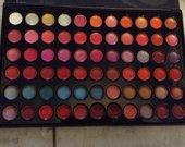 66 spalvu lupu rinkinys vietoje