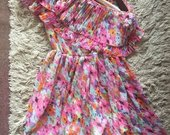 Spalvota suknelė