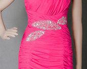 Ryški rožinė trumpa suknelė