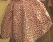 Nuostabus rožinis sijonas