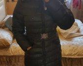 striuke juoda Tommy Hilfiger L/XL dydziai