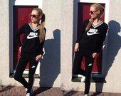 Juodas Nike kostiumas
