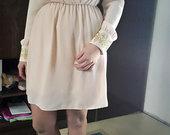 Sviesi kremine suknele