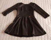 Blizgi juoda madinga suknelė